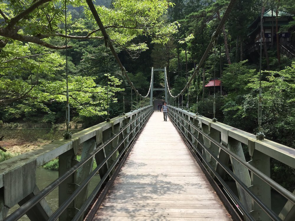 A bridge to the museum of Japanese traditional hair accessories