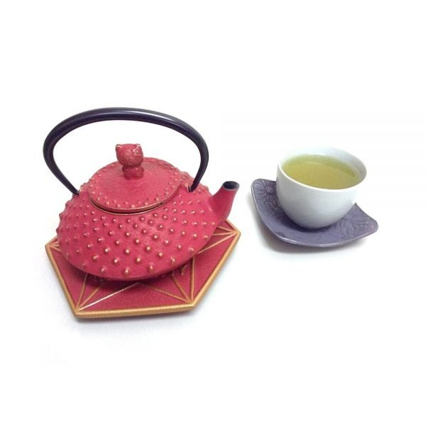 IWACHU Nanbu-Tekki Hello Kitty Teapot - New Edition Wine Red