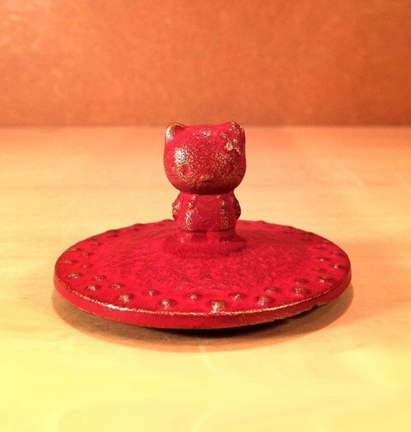 IWACHU Nanbu-Tekki Hello Kitty Teapot - New Edition Wine Red5