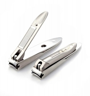 TAKUMINOWAZA Curbed Stainless Nail Clipper and Catcher - Handmade by Craftsman in Japan