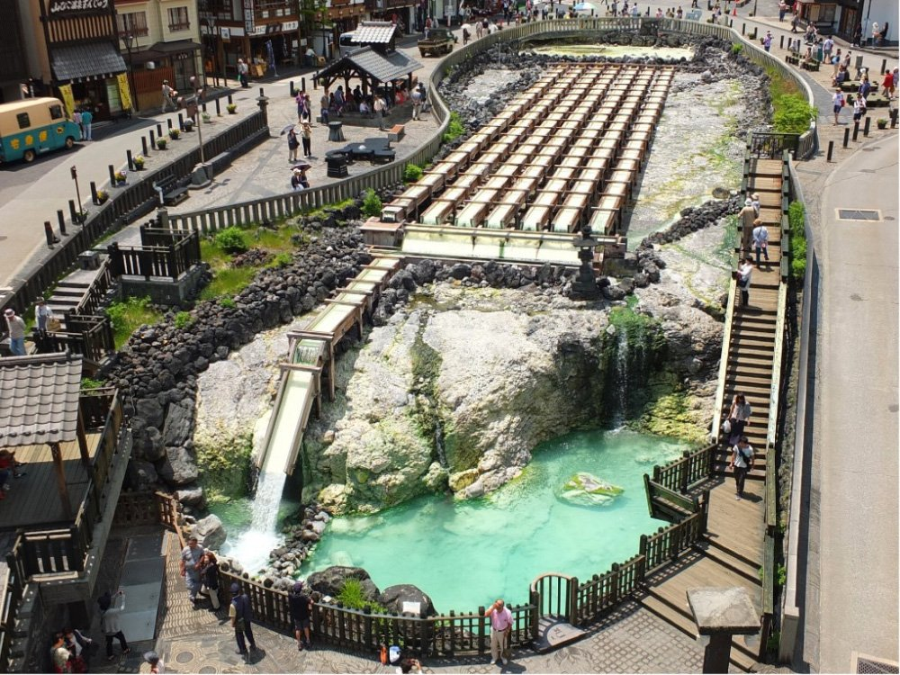 The Yubatake in Kusatsu (Source: www.cafetk.com/travel)