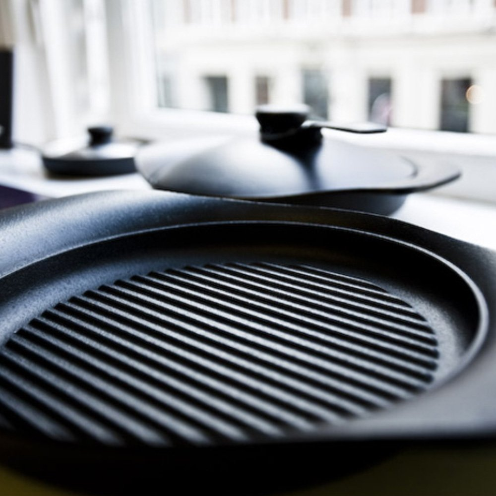 SORI YANAGI Cast Iron Grill Pan with Lid - Nambu Tekki Cast Ironware