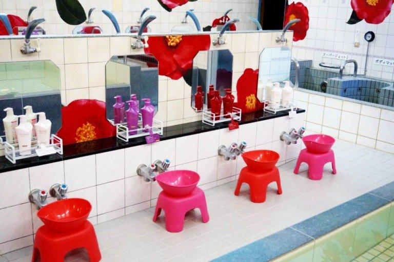 Tsubaki Bath SHISEIDO Tsubaki Extra Moist Set - Shampoo Conditioner and Mini Treatment Mae in Japan
