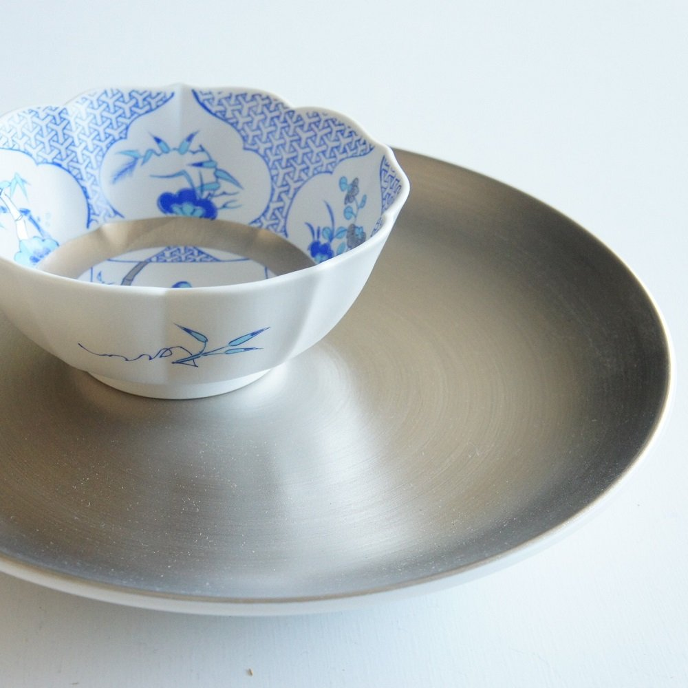 JAPAN BLUE Arita Platinum Porcelain Small Bowl - Triangle Garami Crest