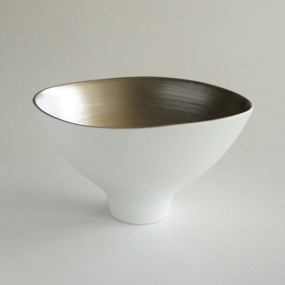 JAPAN SNOW Arita Platinum Wavy Bowl - Snow Platinum