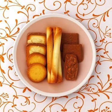 YOKU MOKU Cinq Delices Cookie Assortment - 6 Cigare + 39 Cookies