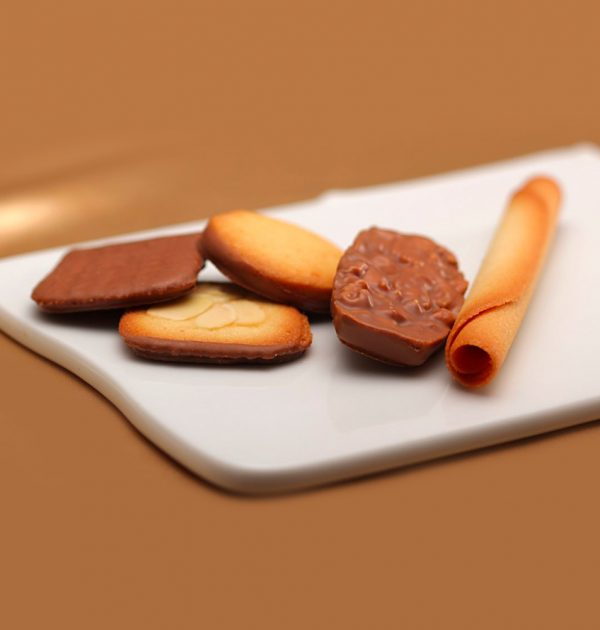 YOKU MOKU Cinq Delices Cookie Assortment