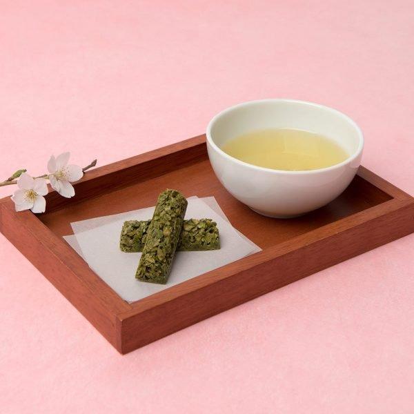 FUKUJUEN Sakura Set - Sakura Green Tea & Matcha Crunchy Chocolate